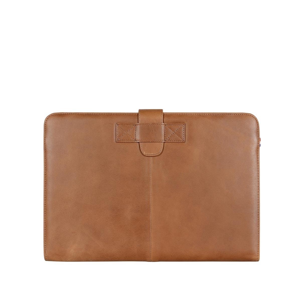 """Кафяв тънък кейс Decoded от естествена кожа за Apple MacBook Pro 13"""""""