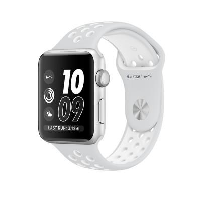 Apple Watch Nike+ - 38mm pouzdro ze stříbrného hliníku s platinovým/bílým sportovním řemínkem Nike