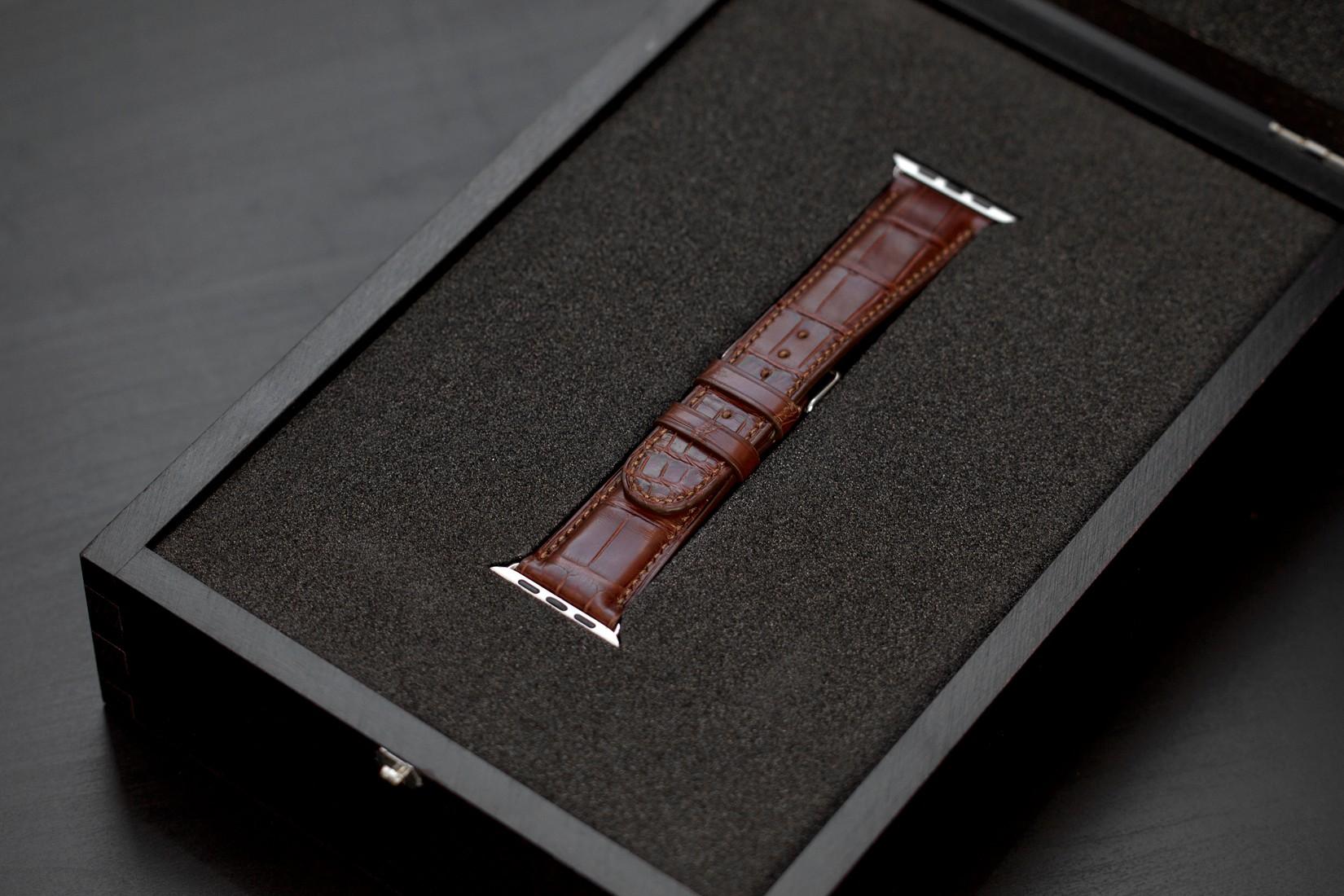 Rarus Croco kožený řemínek pro Apple Watch 38mm, hnědý